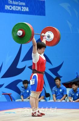 銅メダルを獲得したリム・ジョンシム選手の試技(写真:盧琴順)