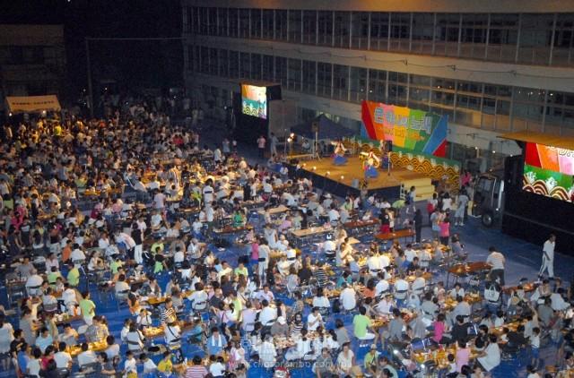 1500余人が集った夜会