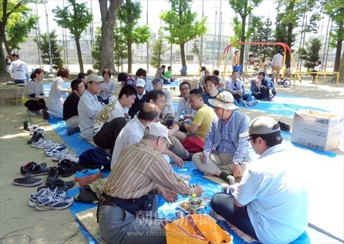 生野東野遊会の参加者たち