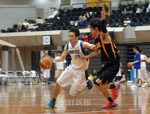 東京(白)と大阪による男子決勝戦