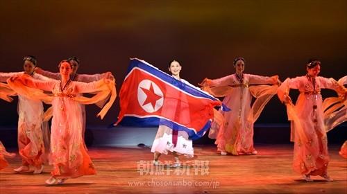 「心のなかで掲げる祖国の旗よ」