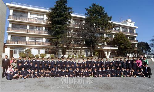 横浜初級の生徒と教員たち(撮影・李哲史)