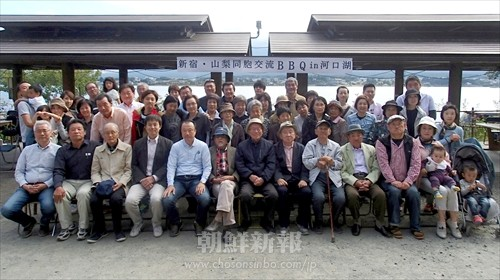 老若男女55人が参加した交流バーベキュー