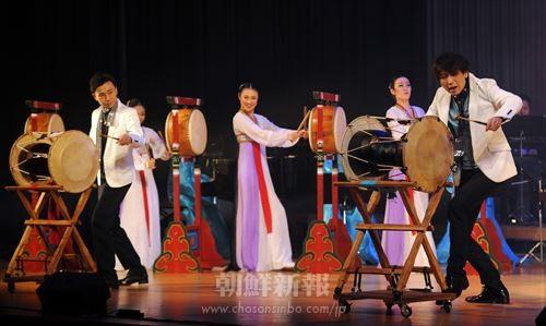 1000人が観覧し盛り上がった歌劇団公演