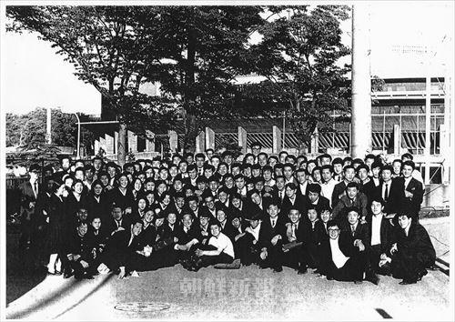 大音楽舞踊叙事詩に参加した東京朝高吹奏楽部と茨城朝高吹奏楽部の学生と教員