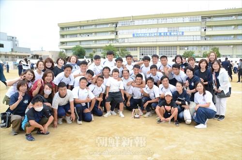 〈特集・大阪朝高ラグビー部 10〉選手たちと思いを一緒に/スクラムを組み、大阪朝高ラグビー部を支える父母会、OB会