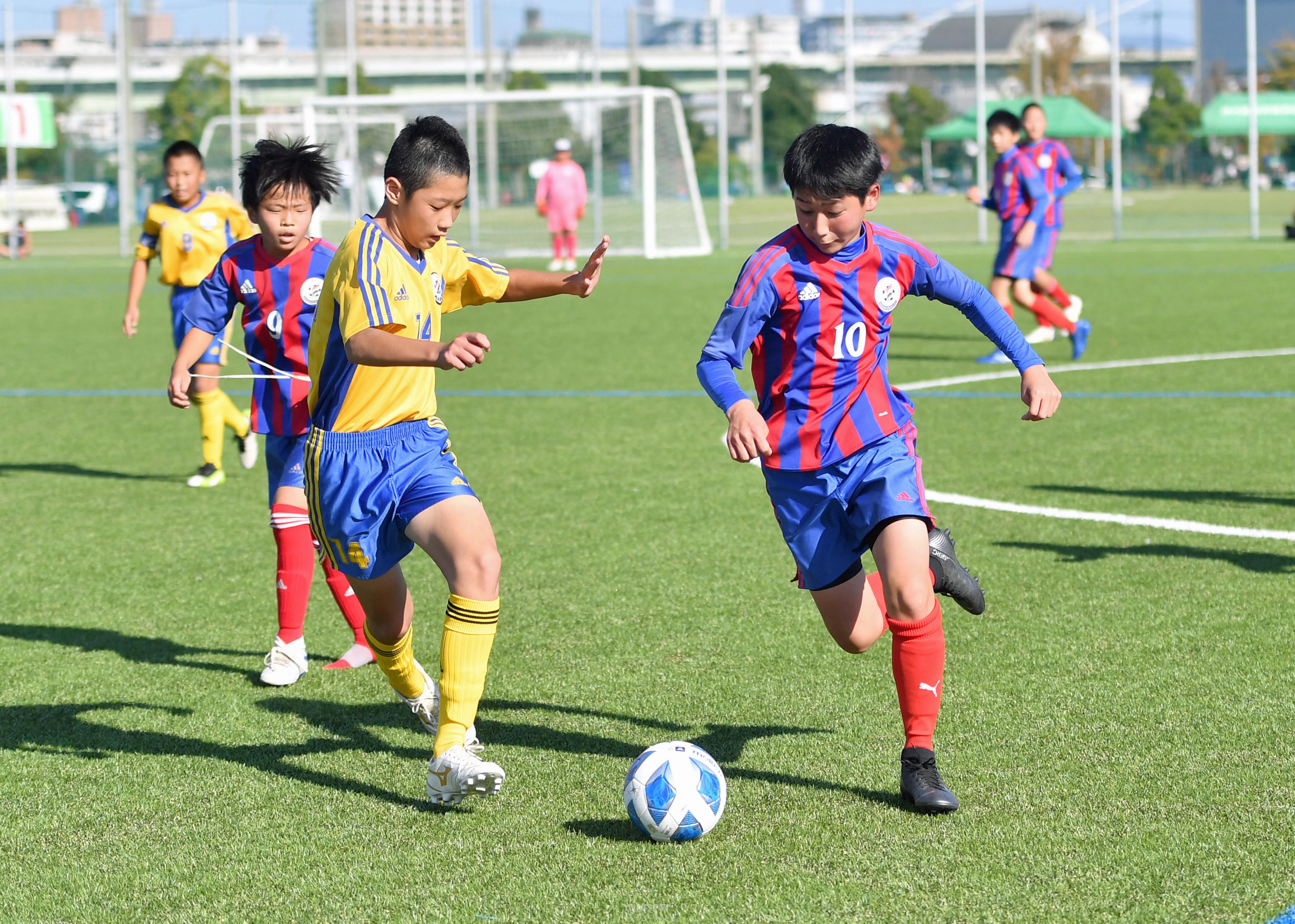 〈第42回コマチュック〉東大阪、「全員サッカー」で準優勝