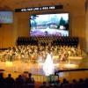 人民劇場開館、銀河水管弦楽団が公演