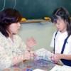 〈教室で〉東京第1初中 初級部1年担任・李香任先生