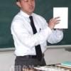〈教室で〉北海道初中高 高級部 社会科・金有燮先生