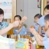 〈教室で〉埼玉朝鮮幼稚園・李ウネ先生