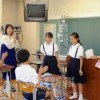 〈教室で〉南武朝鮮初級学校、6年国語・姜珠淑教員