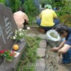 〈関東大震災朝鮮人虐殺から90年〉犠牲者追悼碑の手入れと種まき