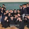 学校再開応援する大阪朝高1年2組/奈良初中のため缶バッジ販売
