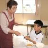 同胞女性たちが給食づくり/福島初中で