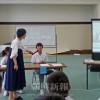 3言語を駆使できる人材に/岡山初中で日本語発表会