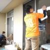 高齢同胞宅訪れ奉仕活動/各地の朝青員ら、年末の大掃除手伝う