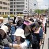 膨れる声、広がる連帯/200回目の「火曜日行動」、参加者たちの思い