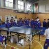 同胞、学生たちが迫力ある試合/長野初中で卓球大会