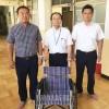 チャリティーゴルフで車椅子寄贈/京都府青商会が日本学校に