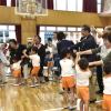 立派に育つ姿に涙/東京第1初中幼稚班で敬老会