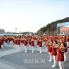 〈平昌五輪〉北の吹奏楽隊が江陵市内で野外公演/南の市民らが歓喜