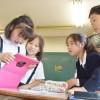 初4国語、デジタル教科書使用開始/手のひらの上に「ウリナラの人」