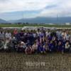 歴史的な日、「愛校米」づくり/長野初中で稲刈り