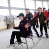 〈ピョンヤン笑顔の瞬間 119〉スケートを楽しむ親子