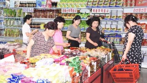 平壌第1百貨店展示会を訪ねて/売れ筋から見る市民生活