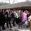 외국손님들과 해외동포들 만경대 방문