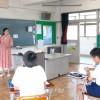 〈교실에서 – 미래를 가꾸는 우리 선생님 52〉도찌기조선초중급학교  6학년 국어 서채련교원