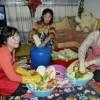 창전거리, 새 집에서의 첫 김장/며느리와 딸, 인민반장과 함께
