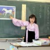 〈교실에서-미래를 가꾸는 우리 선생님 55〉 도꾜조선제9초급학교 3학년 김유가교원