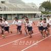 련습성과 발휘, 2개의 대회신기록/효고현조선초급학생 륙상경기회