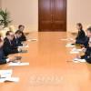 유럽의 여러 정당출신 정치인대표단이 조선을 방문/외교위원회 리수용위원장이 담화