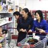 〈만리마의 시대/경제부흥과 생활향상 7〉보다 수준높은 봉사를 위한 백화점들의 경쟁