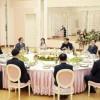 김정은원수님께서 남조선대통령의 특사대표단 성원들을 위하여 만찬을 마련하시였다