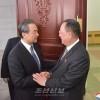 조선외무상과 중국 국무원 국무위원 겸 외교부장사이의 회담 진행