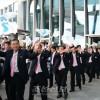 〈로동자통일축구〉북측대표들이 서울을 떠나 북으로/《우리 다시 만나자》
