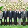 〈북남수뇌회담〉김영남위원장이 남측대통령 수행원들을 만났다
