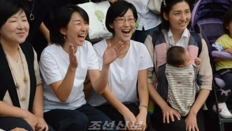 《사랑하는 아이들의 창창한 미래를 위하여!》/제11차 중앙어머니대회, 도꾜에서 진행