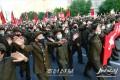 【사진특집】《어렵고 힘들 때 평양의 당원들이 앞장서자》