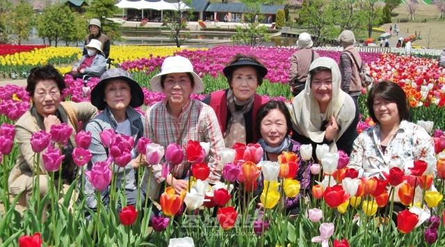 산책을 즐긴 《걸음회》 성원들