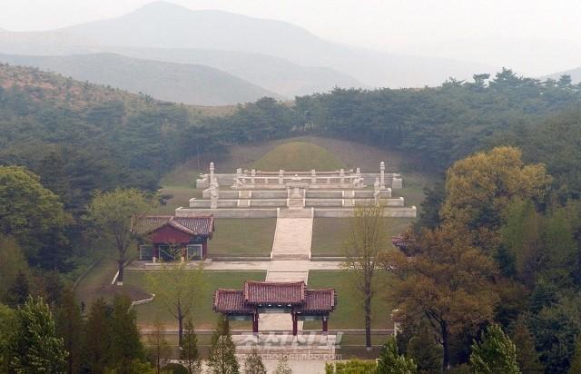 왕건왕릉(사진 문광선기자)