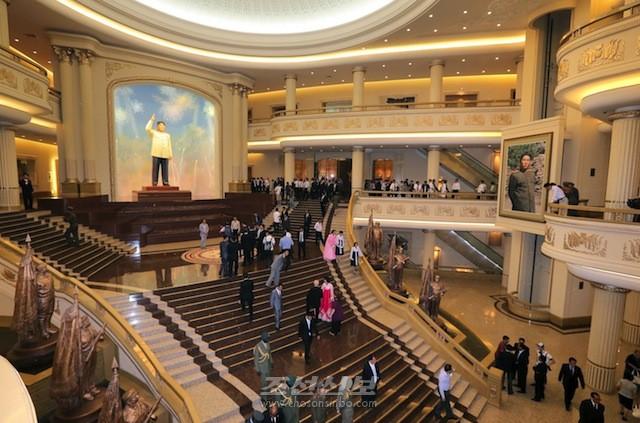 김정은원수님 참석밑에 조국해방전쟁승리기념관 개관식이 진행되였다.(조선중앙통신)