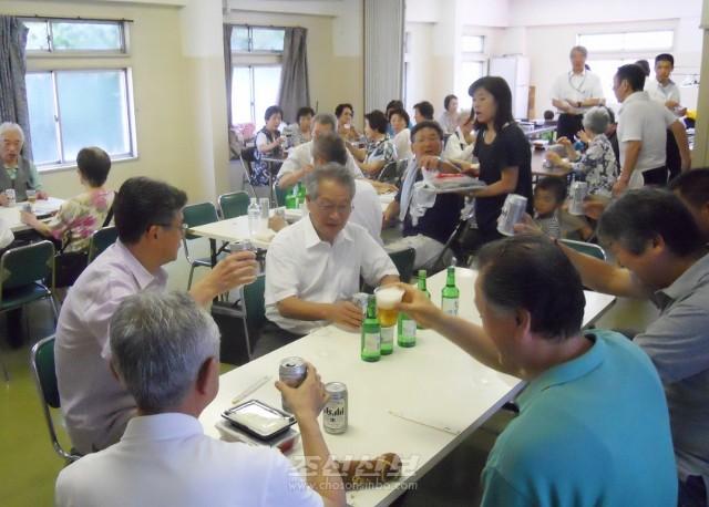 모임은 지부관하 각 단체 동포들의 일심단결을 도모하는 좋은 계기로 되였다.