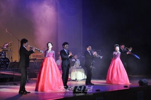 황홀경을 이룬 금강산가극단공연