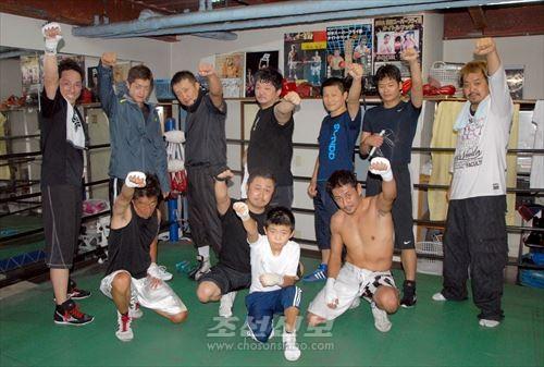 《拳人会》 회원들