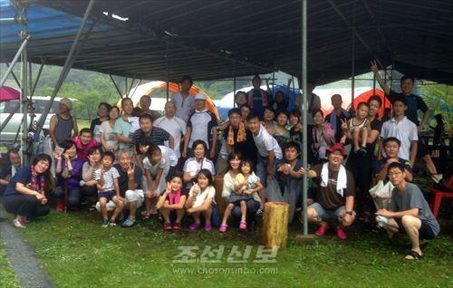강놀이모임에 참가한 동포, 학생, 어린이들